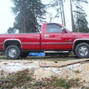 my truck 1997 dodge ram,2500,long bed,2wd,auto transmission.